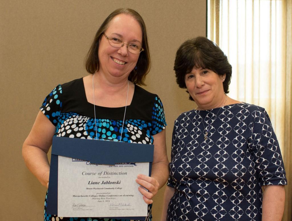 Liane Jablonski receiving the Course of Distinction Award